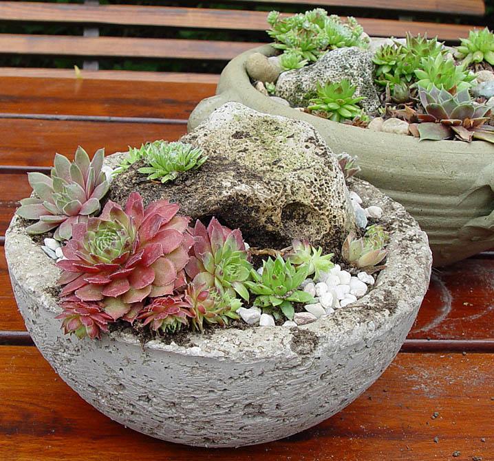 Kvetináč črepník hypertufa