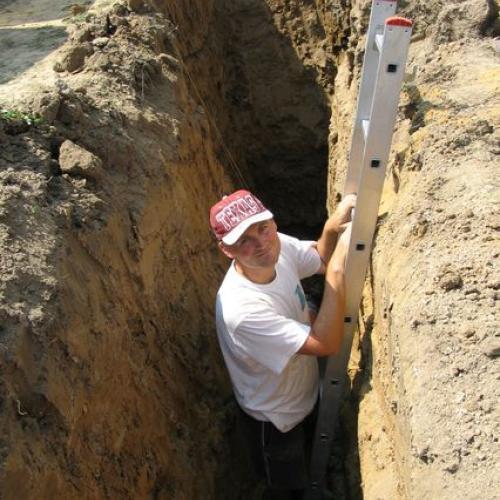 Když se sadí, tak je třeba vykopat pořádnou jámu!