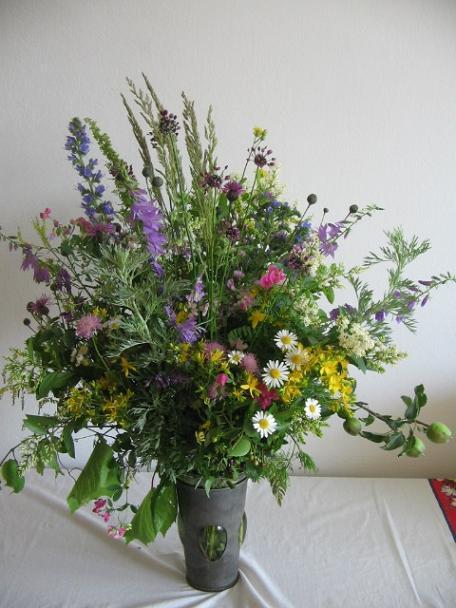 Pestrá kytica z lúčnych kvetov