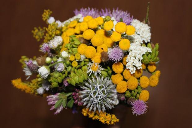 Minikytička z lúčnych kvetov