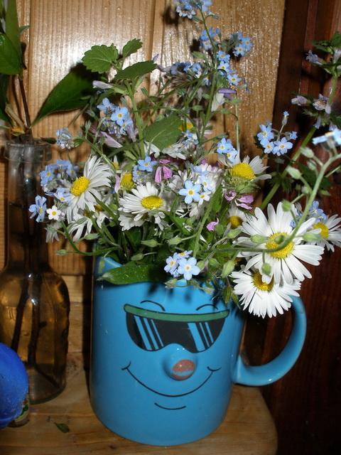 Kytica z lúčnych kvetov na Deň matiek