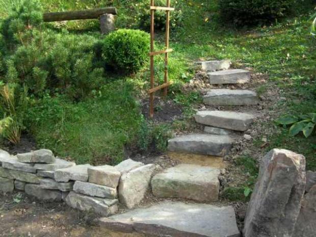 nové schody, náš dvor, galeria  Záhrada Artmama.sk
